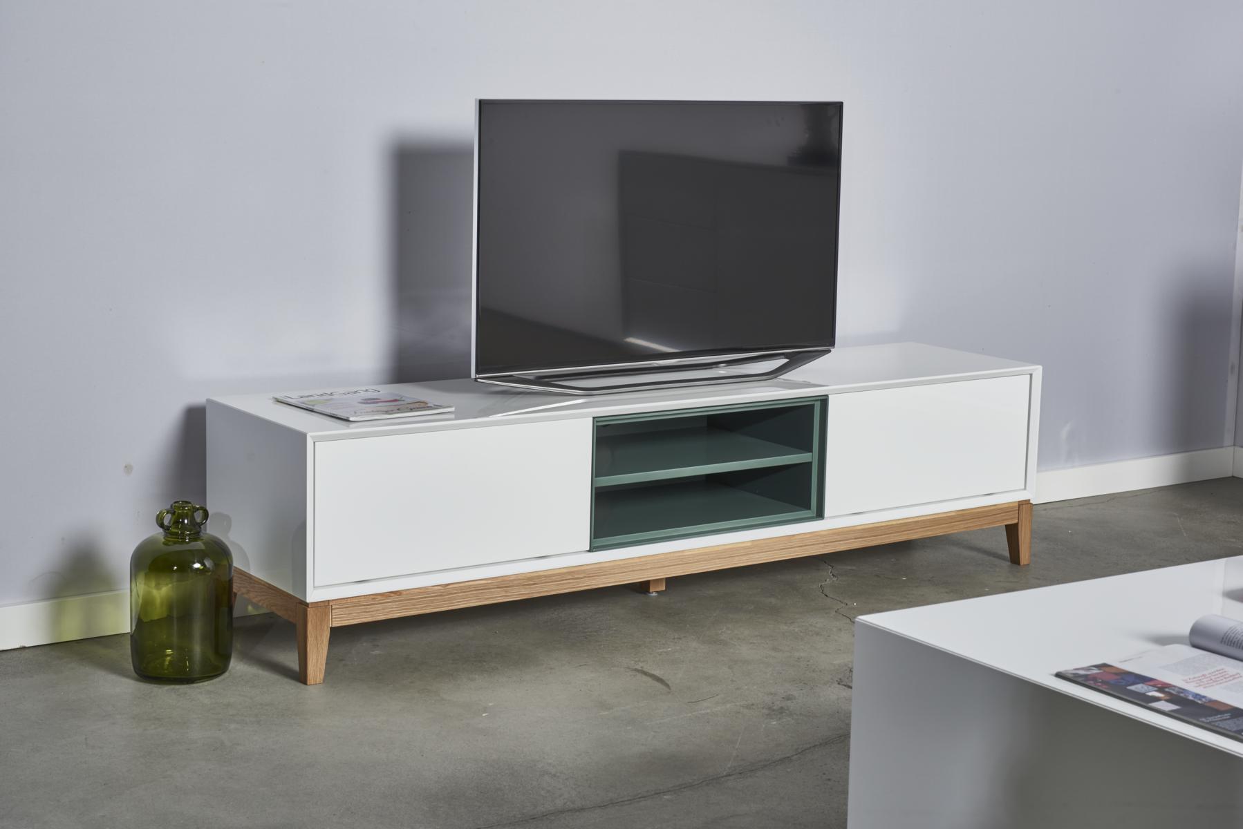 tv lowboard hegra grau gr n wei hochglanz gestell aus eiche massiv skandinavisches design. Black Bedroom Furniture Sets. Home Design Ideas